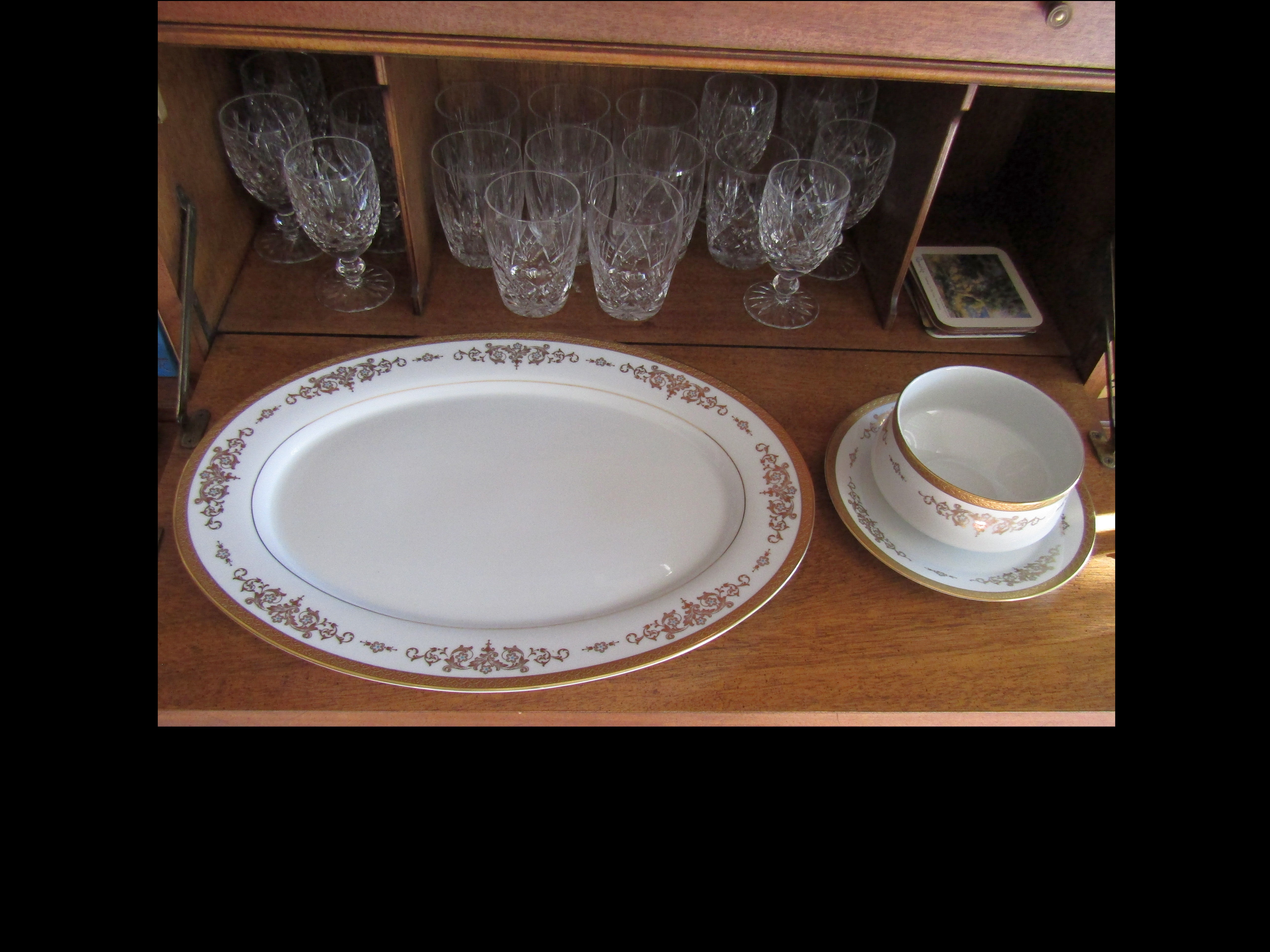 T2a. Platter and Gravy-boat