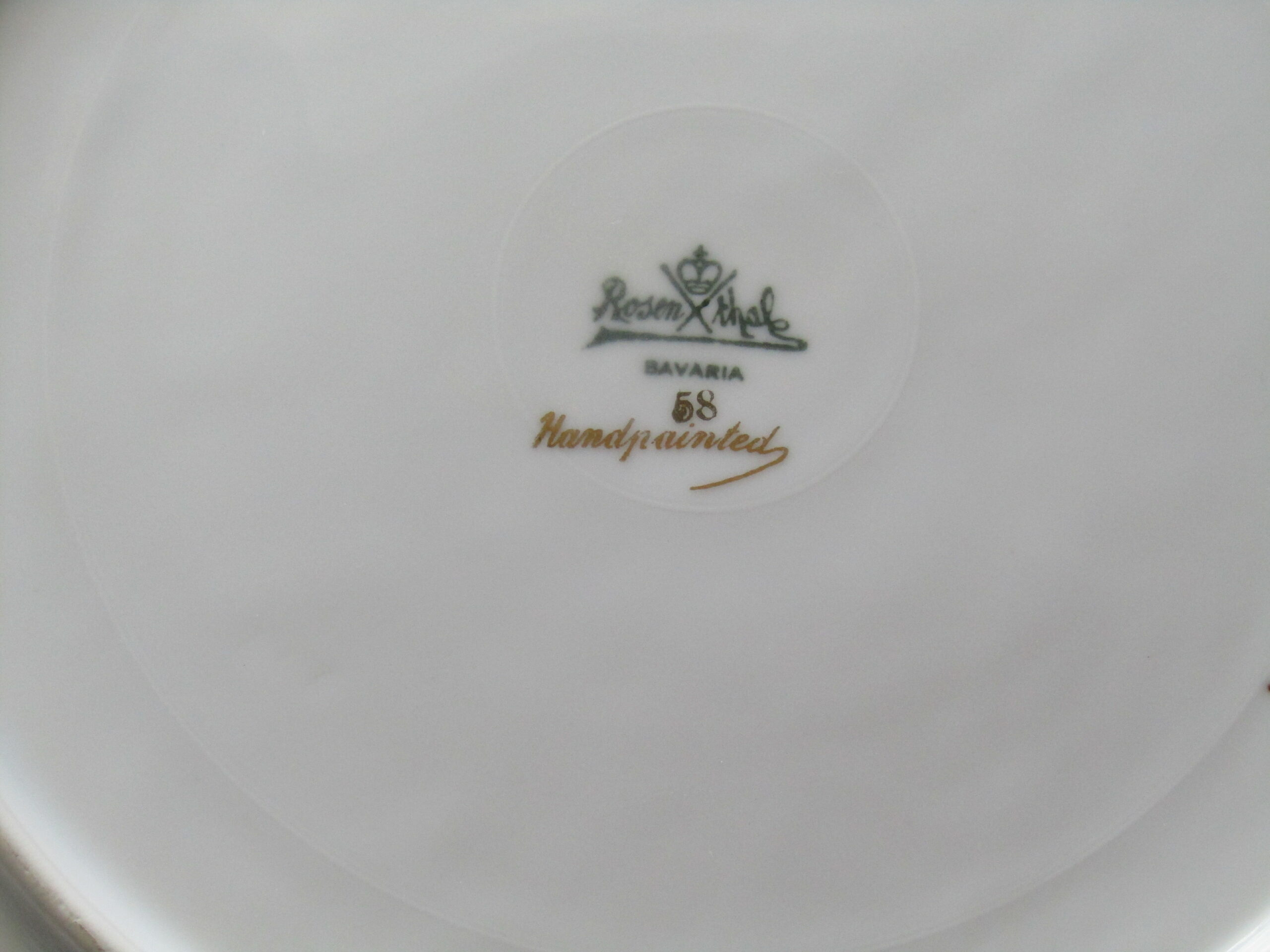 C19a. mark on cake plate